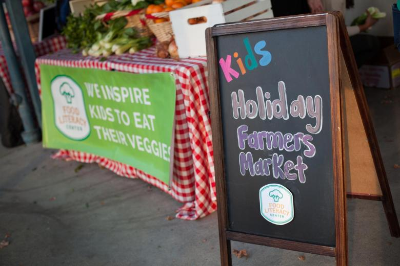 Holiday farmers market