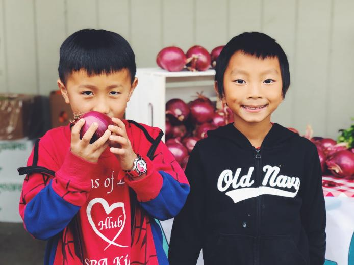 Kids with onions